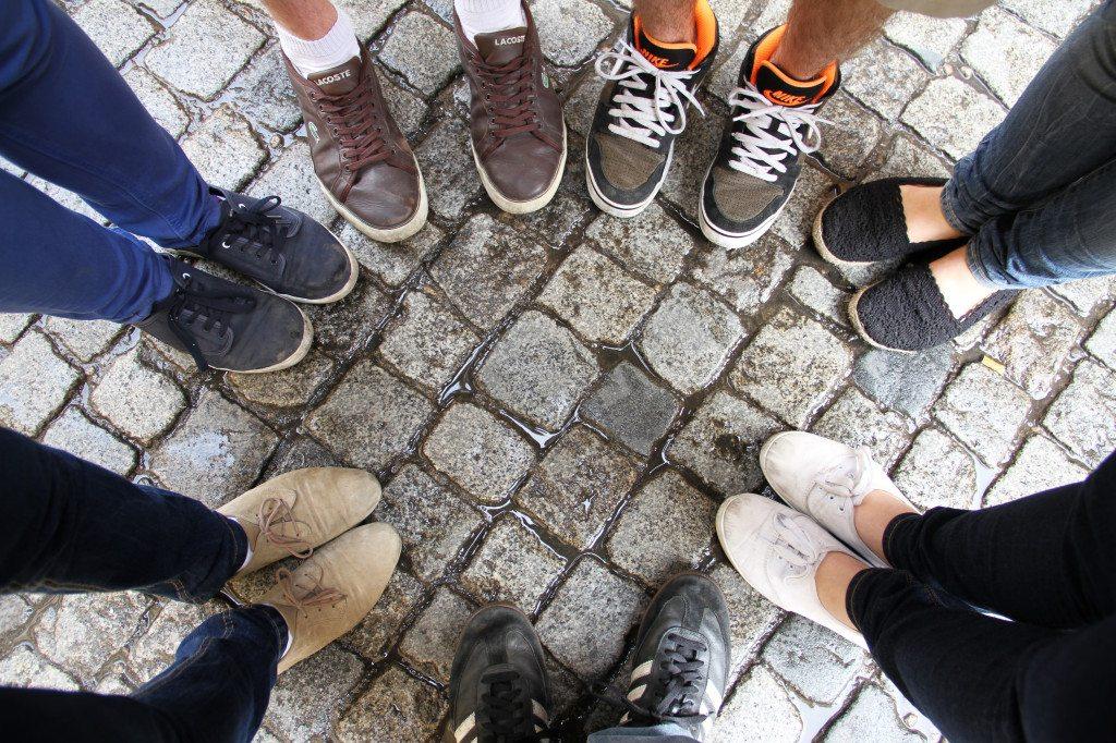 Neue Freunde finden auf einer Sprachreise (Bild: Marvin Siefke  / pixelio.de)