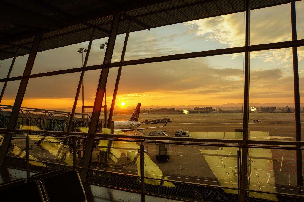 Abflug am Morgen (Bild: Rainer Sturm  / pixelio.de)