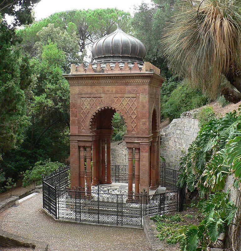 Mausoleum Moresco im Botanischen Garten Hanbury (Bild: Fabio Alessandro Locati, Wikimedia, CC)