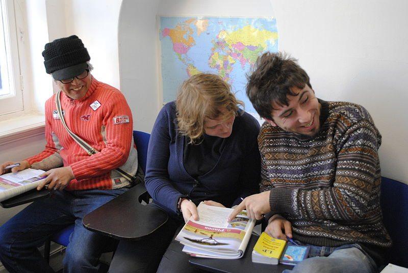 Effektives Lernen: Sprachunterricht im Ausland (Bild: Shane Global / Wikimedia / CC)