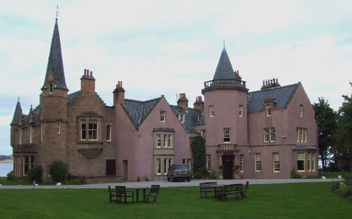 Bunchrew Country House Hotel bei Inverness (Bild: SIMON PHILLIPS, Wikimedia, CC)