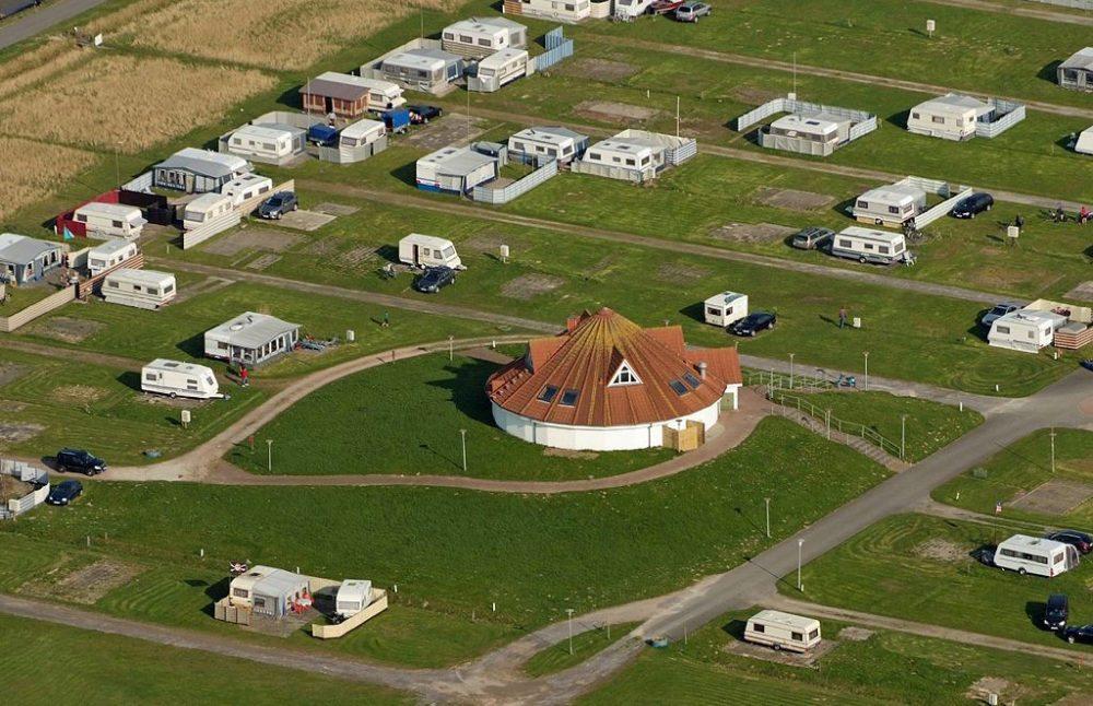 Campinglatz Burhave, Deutschland (Bild: Martina Nolte, Wikimedia, CC)