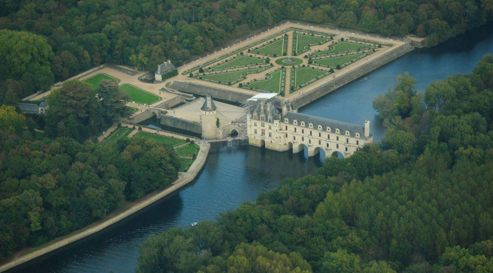 Schloss Chenonceau und die  Loire (Bild: Lieven Smits, Wikimedia, CC)