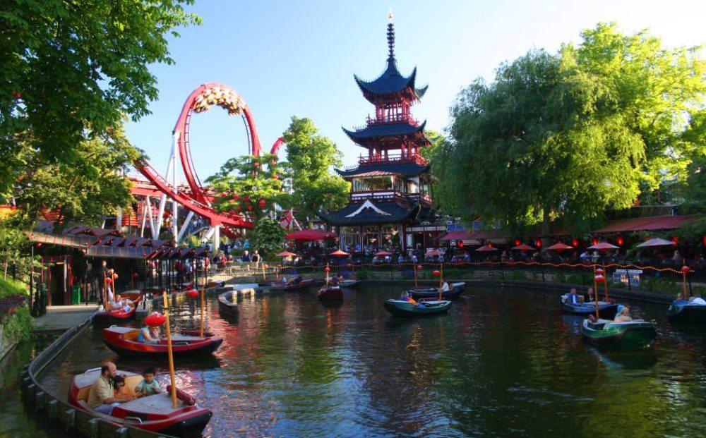 Vergnügungspark Tivoli in Kopenhagen (Bild: Malte Hübner, Wikimedia)