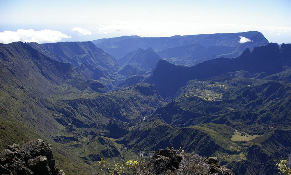 Die Berglandschaft von La Réunion (Bild: Mamphi, Wikimedia, CC)