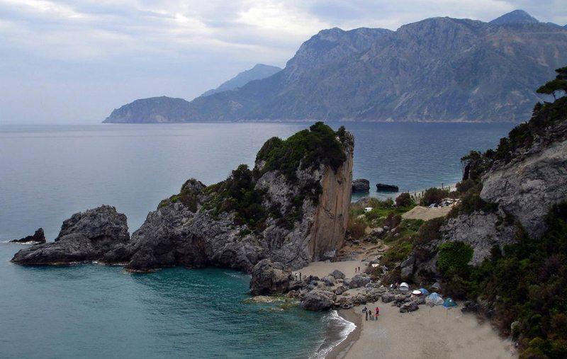 Chiliadou-Strand auf Euböa (Bild: Ggia, Wikimedia, CC)