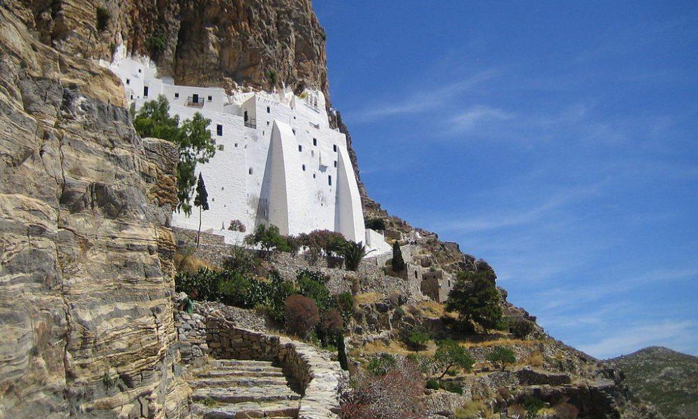 Kloster Chosowiotissa auf Amorgos (Bild: (WT-shared) Teddy, Wikimedia, CC)