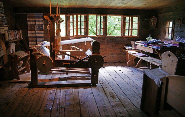 Schweizerisches Freilichtmuseum Ballenberg: Wohnhaus von Blatten (Bild: Sandstein, Wikimedia, CC)