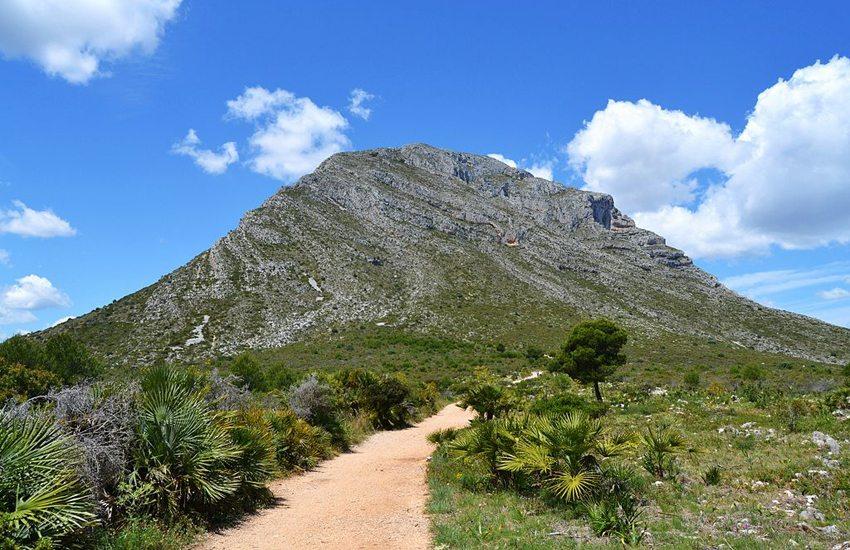 Berg Montgo bei Denia (Bild: Joanbanjo, Wikimedia, CC) goldene stadt