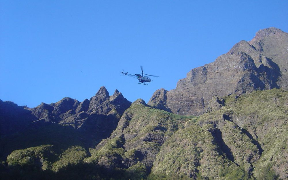 Insel-Rundflüge mit dem Helikopter - eine hervorragende Gelegenheit, La Réunion von oben zu betrachten (Bild: David Monniaux, Wikimedia, CC)