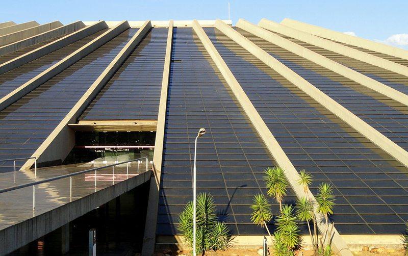 Teatro Nacional Cláudio Santoro in Brasília (Bild: Daderot, Wikimedia, CC)