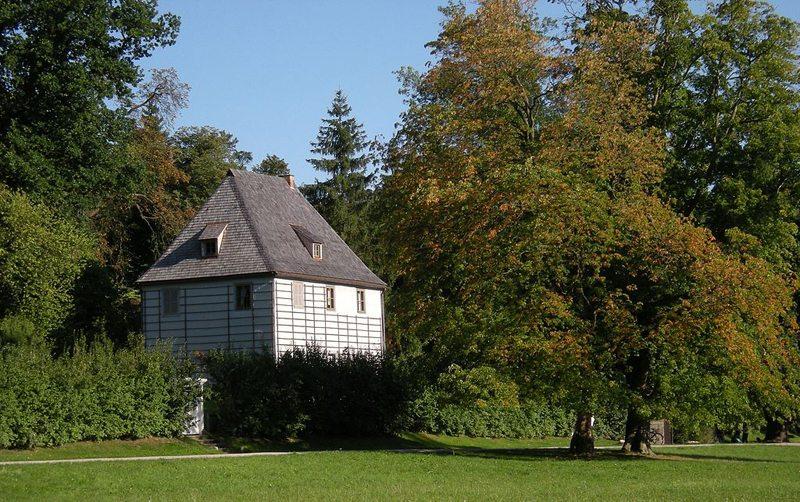 Goethes Gartenhaus im Park an der Ilm (Bild: Franzfoto, WIkimedia, CC)