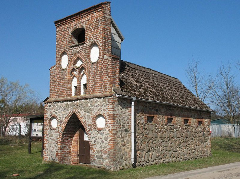 Spritzenhaus in Rheinsberg-Heinrichsdorf in Brandenburg, Deutschland (Bild: Doris Antony, Wikimedia, CC)