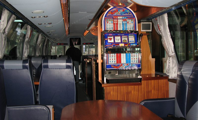 Moderne Reisebusse bieten viel Komfort (Bild: Fabio Sommaruga  / pixelio.de)