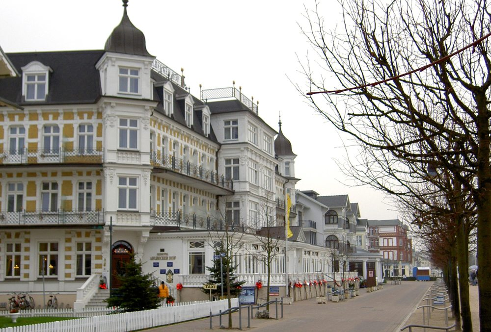 Strandpromenade in Ahlbeck (Bild: Karl-Heinz Liebisch  / pixelio.de)