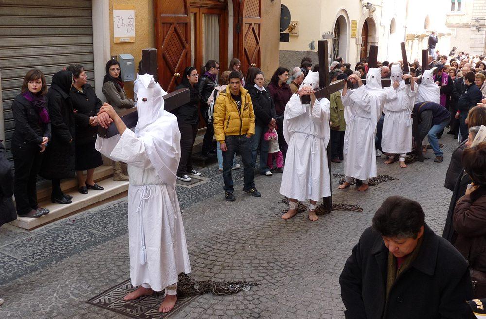 Osterprozession in Apulien (Bild: Dieter Schütz  / pixelio.de)