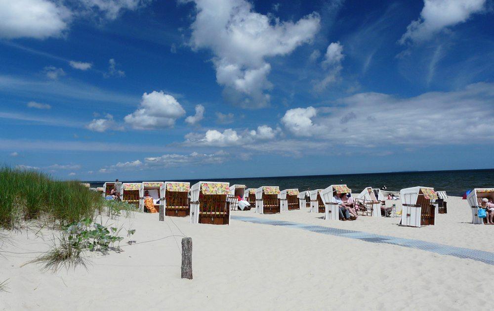 Endlos scheinende Sandstrände von Usedom (Bild: Gerd Pfaff  / pixelio.de)