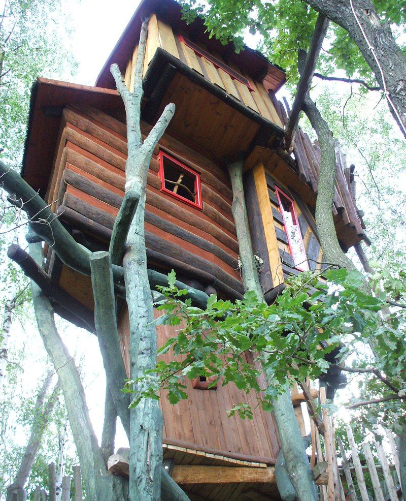 Baumhaushotel in Einsiedel (Bild: olga meier-sander  / pixelio.de)