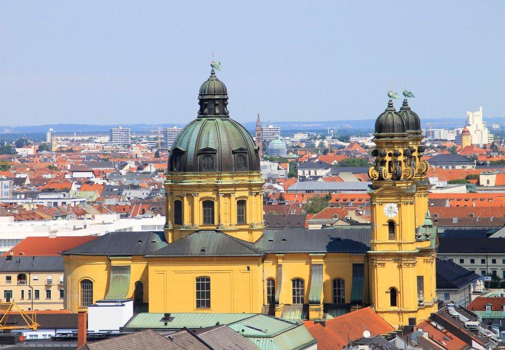München - ideales Ziel für eine Kurzreise (Bild: Petra Dirscherl / pixelio.de)