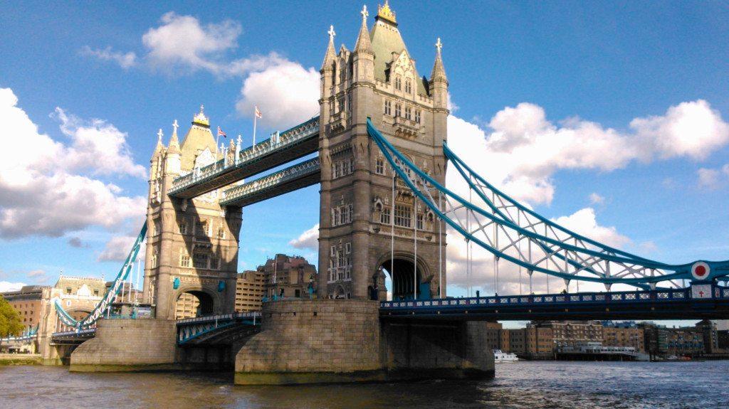 Ideal für ein Wochenende: Kurztrip nach London (Bild: Alfred Arnold  / pixelio.de)
