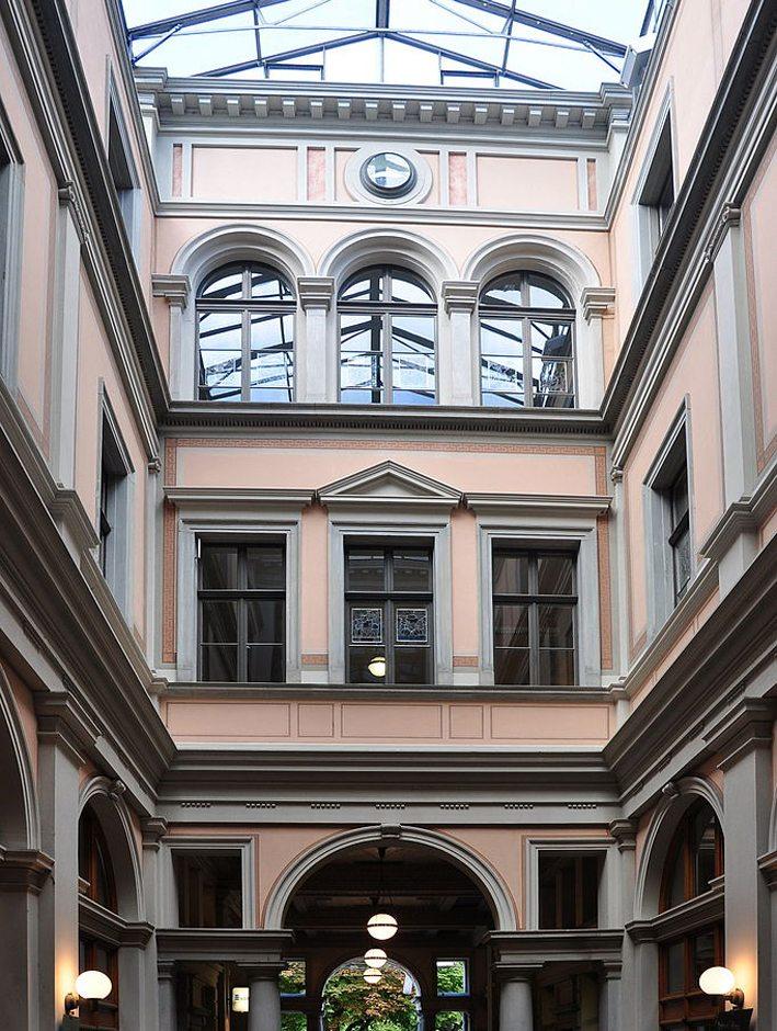 Das Winterthurer Rathaus ist ein architektonisches Kleinod (Bild: Roland zh, Wikimedia, CC)