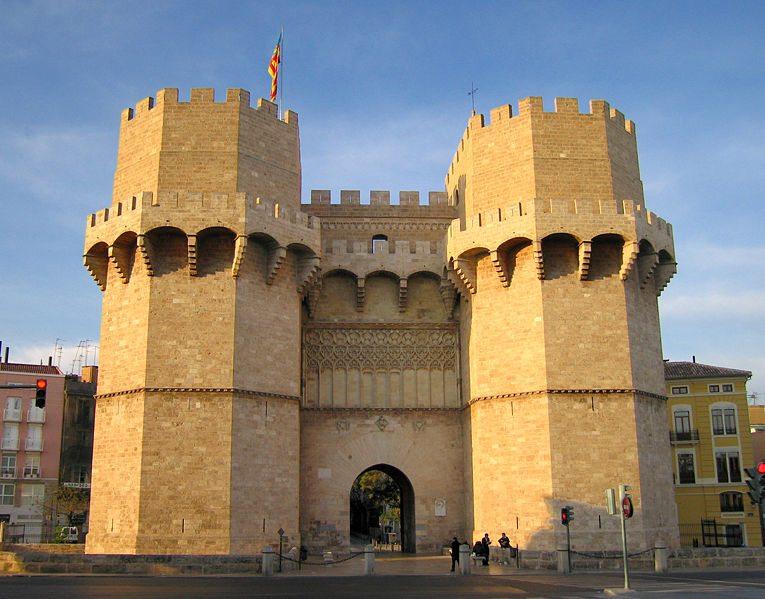 Mittelalterliches Stadttor Torres de Serrans (Bild: Felivet / Wikimedia / public domain)