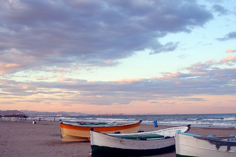 Stadtstrand Playa de las Arenas (Bild: Manuel M. Vicente / Wikimedia / CC)
