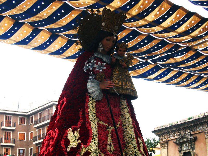 Heiligenfigur während der Fallas-Feste (Bild: Sebastian / Wikimedia / CC)