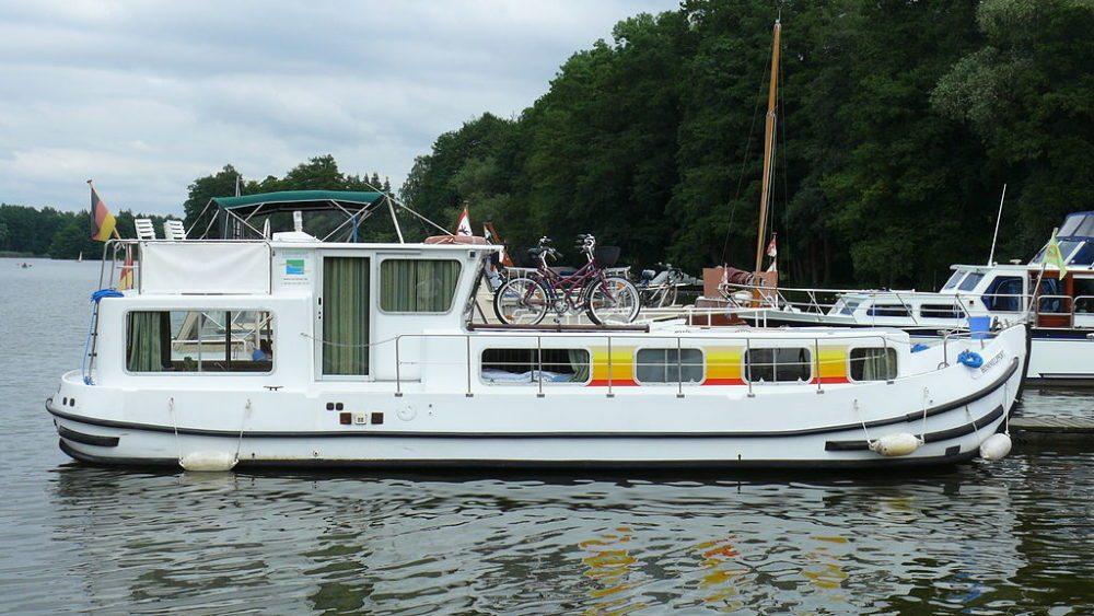 Hasusboot Penichettes 1106 FB, Templin, Deutschland (Bild: Paweł Drozd, Wikimedia, CC)