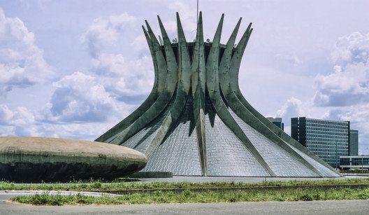 Eine sehr sehenswerte Kirche ist die Santuário Dom Bosco. (Bild: © Angelo Giampiccolo - shutterstock.com)