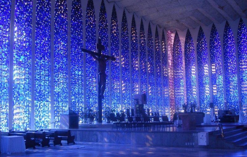 Santuário Dom Bosco in Brasilia (Bild: claudio ruiz, Wikimedia, CC)