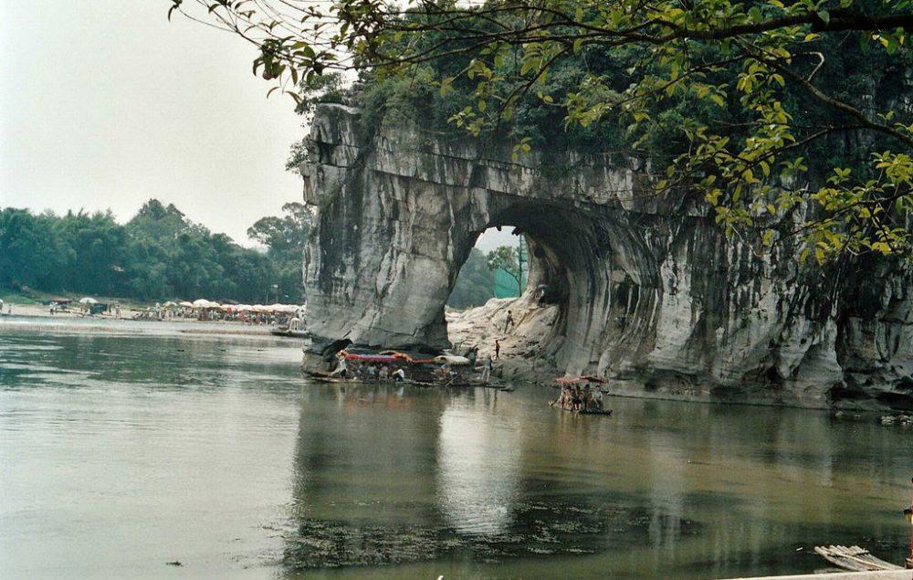Elefantenrüsselinsel bei Guilin (Bild: Bgabel, Wikimedia, CC)