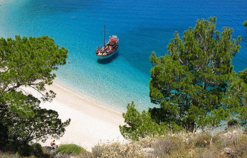 Apella Beach auf Karpathos (Bild: ufoncz, Wikimedia, CC)