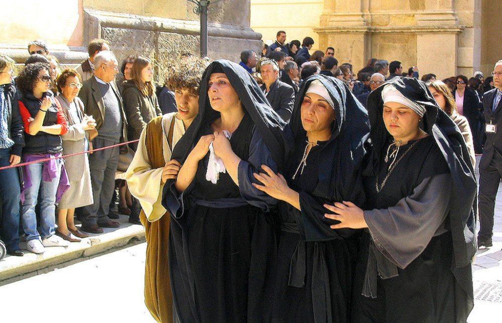 Prozession am Karfreitag (Bild: Vito Rallo, Wikimedia,CC)