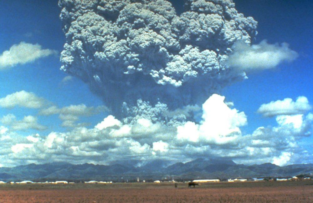 Die Explosion von Pinatubo im Jahre 1991 (Bild: Dave Harlow, CVO Photo Archives, Wikimedia)