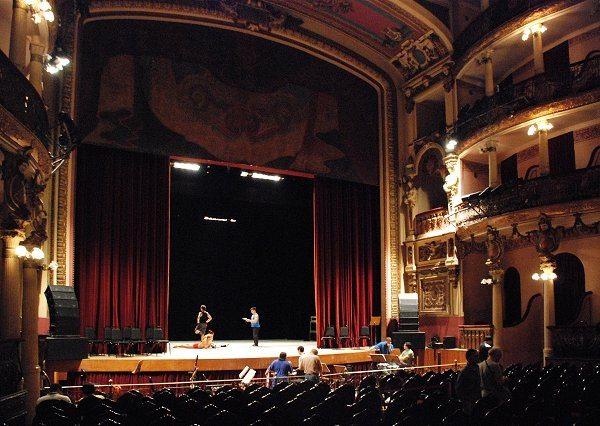 Im Inneren des Teatro Amazonas (Bild: LecomteB / Wikimedia / CC)