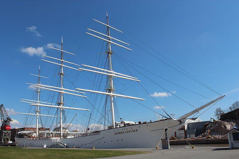 Museumsschiff Suomen Joutsen auf dem Aurajoki (Bild: Creasy / Wikimedia / CC)