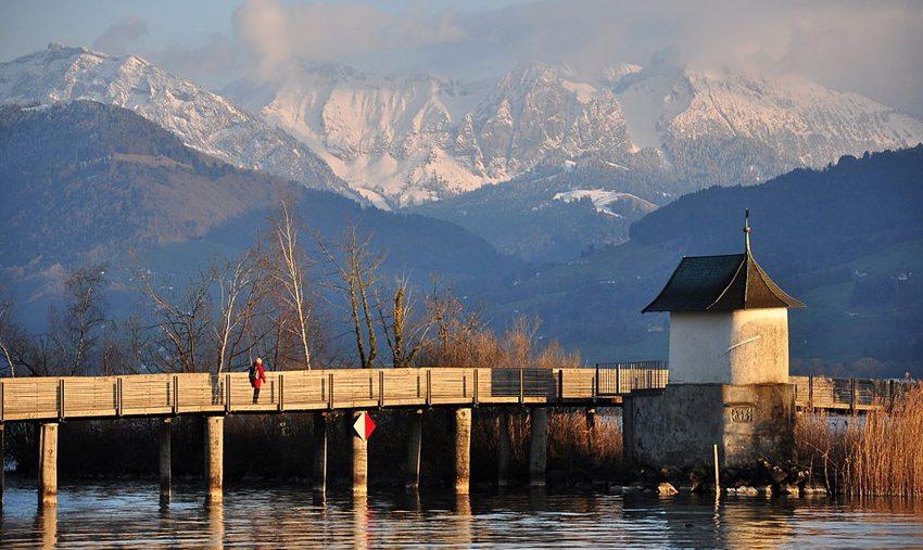 Pilgerkapelle «Heilig Hüsli» auf der Holzbrücke Rapperswil-Hurden (Bild: Roland zh, Wikimedia, CC)