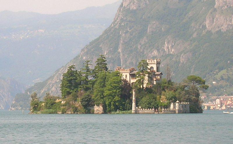 Der Iseosee – Isola di Loreto  (Bild: A., Wikimedia, CC)