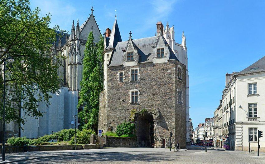 Porte Saint-Pierre in Nantes (Bild: Selbymay, Wikimedia, CC)