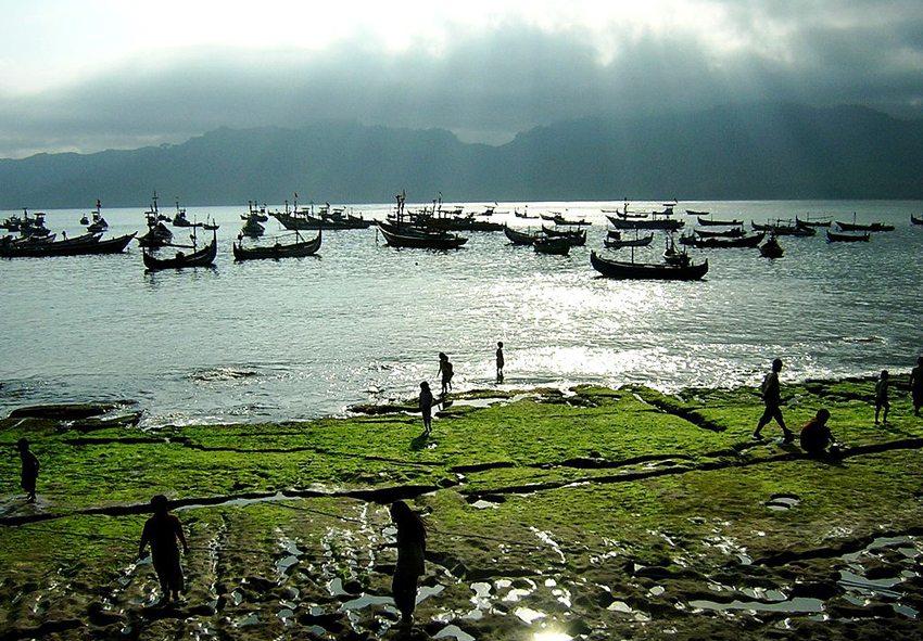 Pantai Popoh, Java (Bild: Ilzhabimantara, Wikimedia, CC)