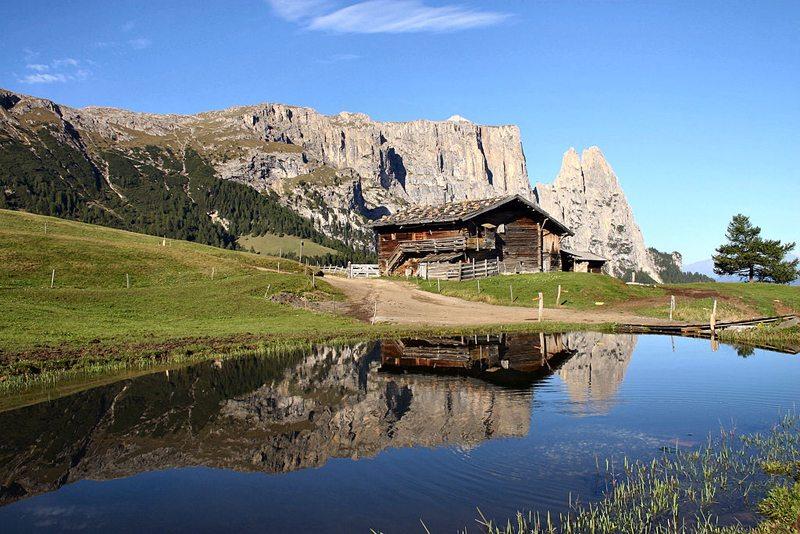 Südtiroler Wahrzeichen – der Schlern (Bild: MJM Delnoij, Wikimedia, CC)