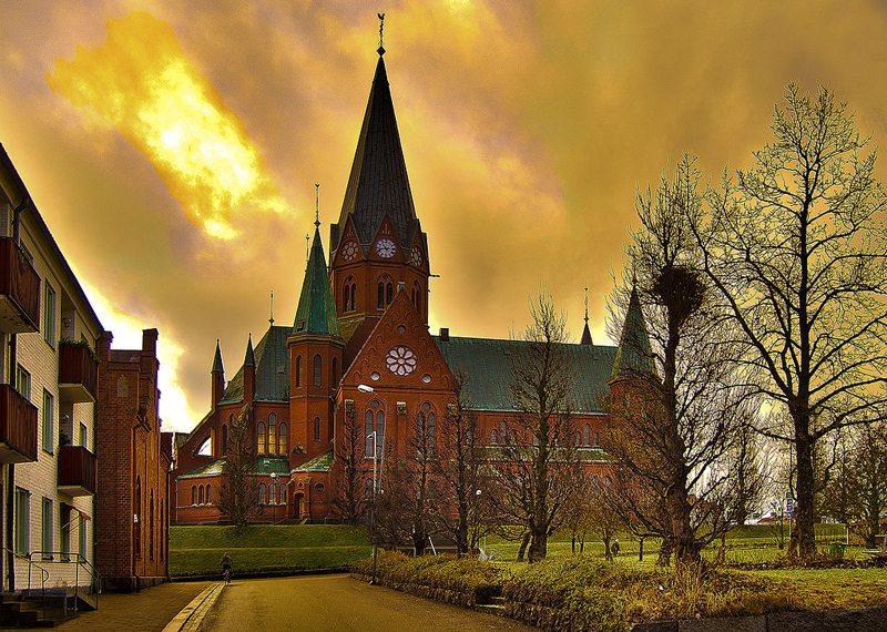Die Kirche St. Petri in Västervik (Bild: Vesper8590, Wikimedia, CC)