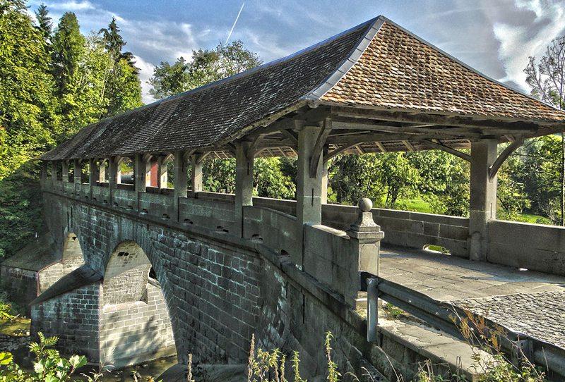 Die Teufelsbrücke - eine Brücke über die Sihl bei Einsiedeln (Bild: MarianMahjoubi, Wikimedia, CC)