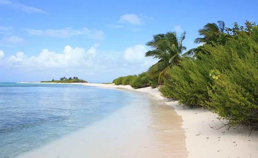 Unbewohnte Insel Cayo Bolivar in der Nähe von San Andrés (Bild: ...some guy, Wikimedia, CC)