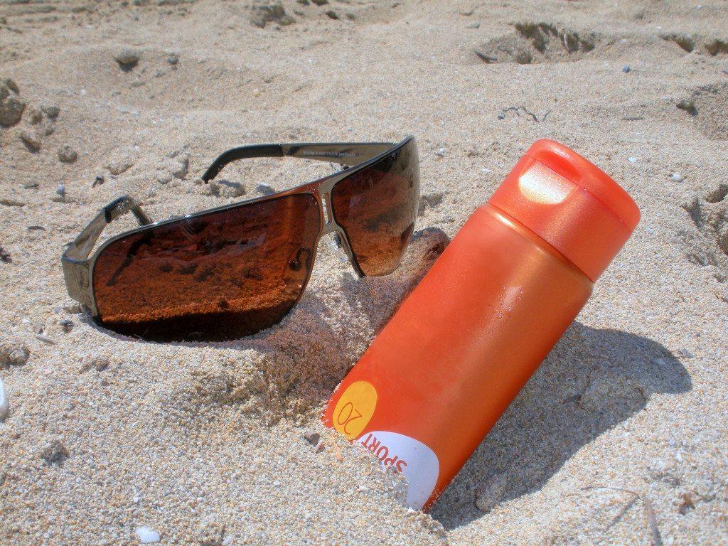 Sonnenschutz für eine gesunde Haut (© Manfred Walker  / pixelio.de)