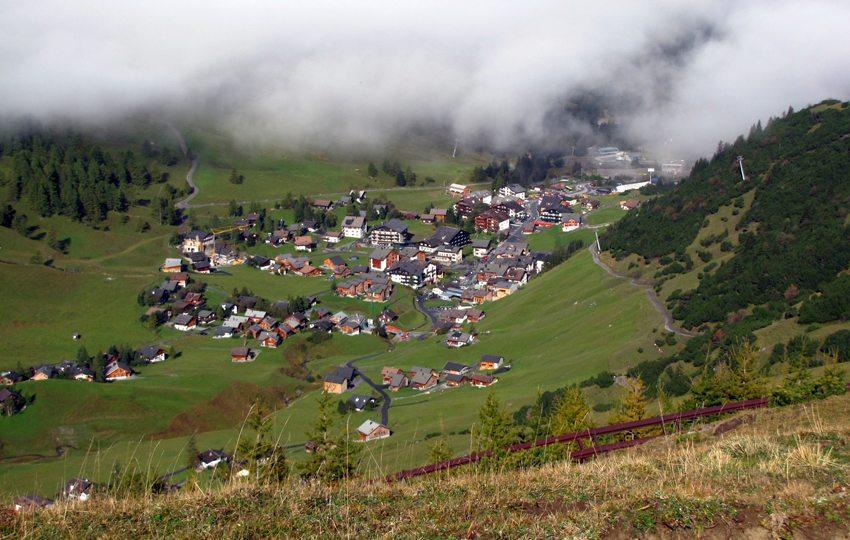 Pure Freude – Wandern in Liechtenstein (Bild: Annamartha  / pixelio.de)