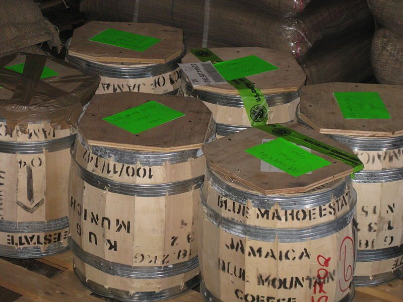 Jamaica Blue Mountain Kaffeefässer (Bild: Wade van laius / Wikimedia / CC)