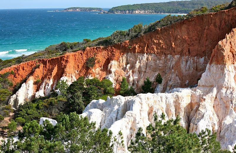 Coloured Pinnacles, Ben Boyd National Park an der Australiens Ostküste (Bild: Alex Proimos, Wikimedia, CC)