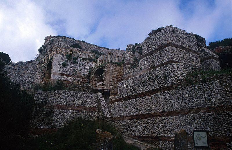 Villa Jovis des Tiberius (© http://www.flickr.com/photos/tylerbell/ / Wikimedia / CC)